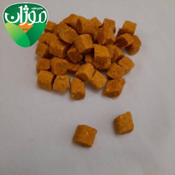 dried mango cubes